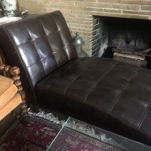 Gorgeous brown leather ottoman for Sale in Whittier, CA