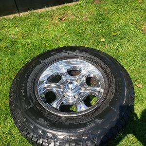 6x5.5 GM wheels 245/75r16 for Sale in Snohomish, WA