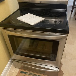 Free Stainless Steel Stove for Sale in Dallas, TX