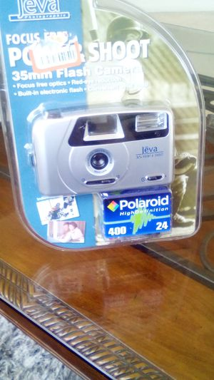 Camera brand new+ film+battery for Sale in Irvine, CA
