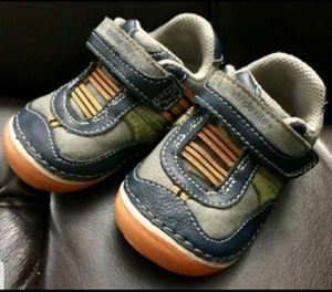 Stride Rite Baby boy shoes, size 4w. Excellent Condition. Leather upper. for Sale in Everett, WA