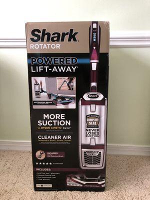 Shark Rotator Powered Lift-Away TruePet Bagless Vacuum (NV752)New for Sale in Charlotte, NC