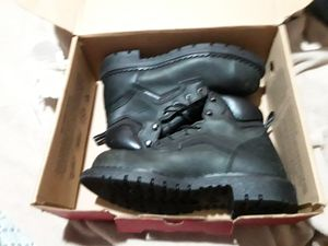 Redwings dynaforce steal toe boots size 8 1/2 like new for Sale in San Pedro, CA