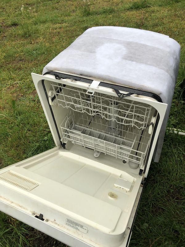 GE Stove and Whirlpool Dishwasher