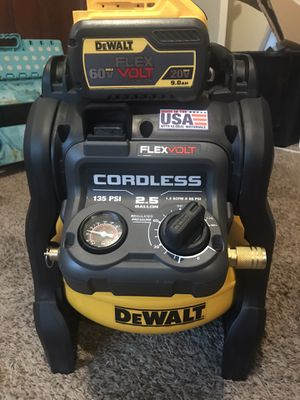 Air compressor dewalt with battery 9.0 brand new 350$ for Sale in Winton, CA