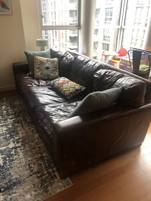 MAXWELL LEATHER THREE-SEAT-CUSHION SOFA SET for Sale in Washington, DC