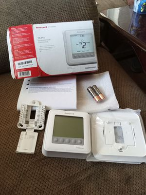 Honeywell home T6 pro thermostat for Sale in Jan Phyl Village, FL
