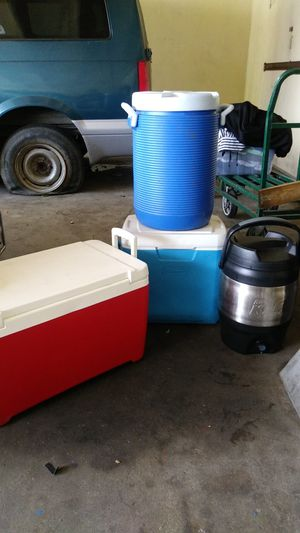 4 coolers for Sale in Alameda, CA