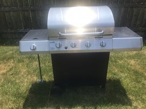 Large grill for Sale in Worthington, OH