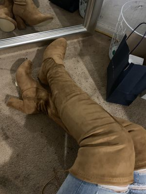Thigh high Camel Boots for Sale in Laveen Village, AZ