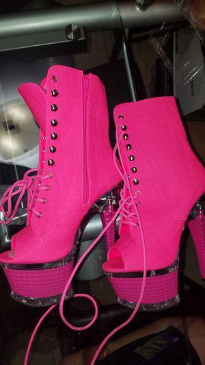 Boots size 7 for Sale in North Miami, FL