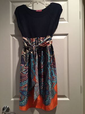 Maternity dress size M navy blue on top and silk on the bottom half for Sale in Bartlett, IL