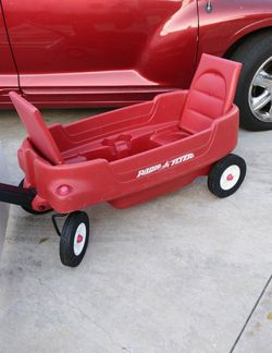 Radio Flyer Wagon With Flip Up Seats Rolls Great for Sale in Whittier,  CA