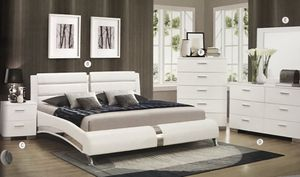 Brand new queen size bedroom set with pillow top mattress 1099 for Sale in Hialeah, FL