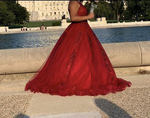 Burgundy Quineñera/sweet16/ballgown/ prom dress for Sale in Arlington, VA