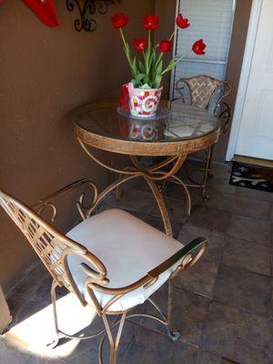 Mesa alta con 2 sillas giratorias for Sale in Rowlett, TX