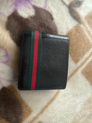 Gucci wallet for Sale in Nuevo, CA