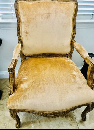 Really nice Antique chair for Sale in Etiwanda, CA