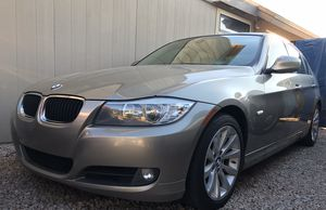 2011 bmw 3 series, 325i, low mileage, very clean for Sale in Chandler, AZ