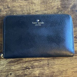 Kate Spade Wallet for Sale in College Park, MD