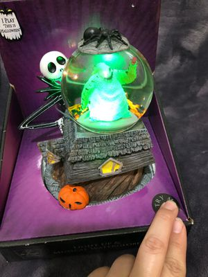 The nightmare before Christmas snow globe for Sale in Los Angeles, CA