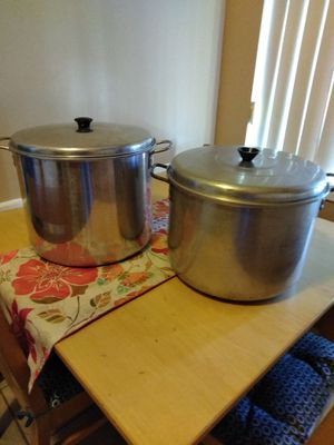 2 big cooking pots for Sale in Bell Gardens, CA