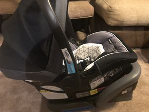 Base and car seat for Sale in Stafford, VA
