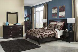 Zanbury Merlot Panel Bedroom Set | B217 for Sale in Austin, TX