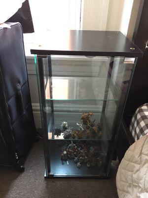 Glass Display case. for Sale in Pittsburgh, PA