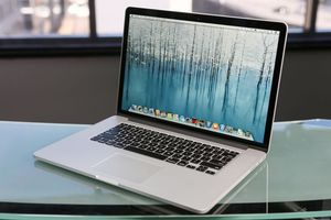 2013 15 inch MacBook Pro 2.4 GHZ 256 SSD for Sale in Landover, MD