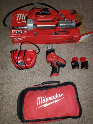 Sawzall y engeasadora milwuake m12 for Sale in Springfield, VA