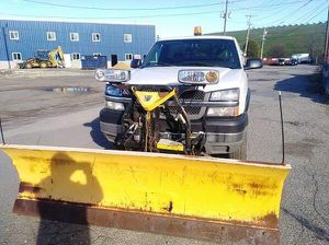 2004 Chevy Silverado 2500HD 8ft Plow for Sale in Woburn, MA