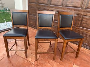 3 Bar height dinning chairs. for Sale in Miramar, FL