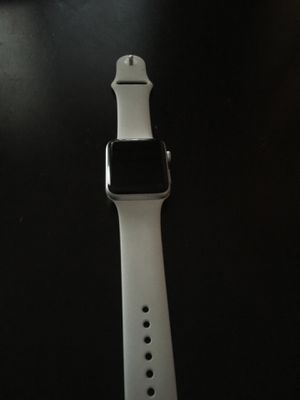 APPLE WATCH SERIES 3 WHITE BAND EDITION COMES WITH CHARGER ALSO for Sale in Fort Lauderdale, FL