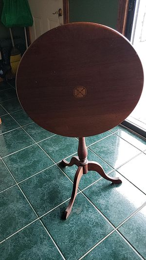Antique flip top table very good condition for Sale in Mastic, NY