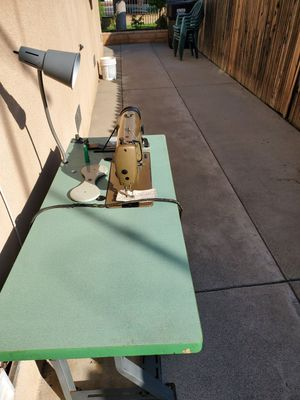 Colombia Industrial sewing machine for Sale in Downey, CA
