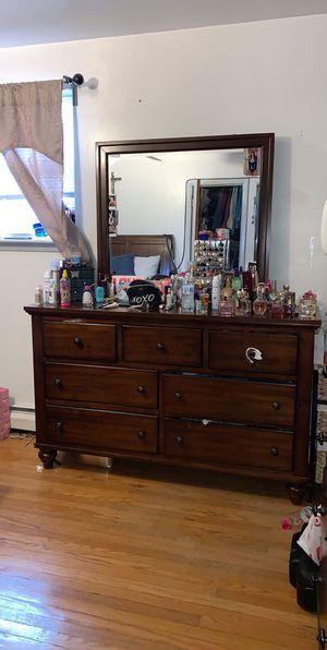 Queen bedroom set for Sale in Philadelphia, PA