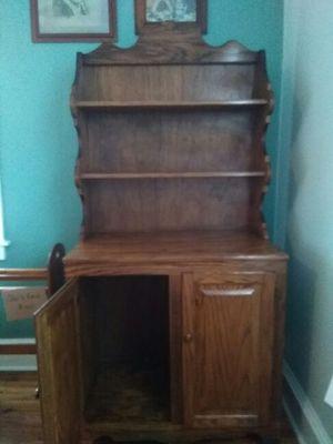 2 door cabinet, 3 shelves, great condition, for Sale in Rome, GA