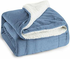 BEDSURE SHERPA FLEECE SLATE BLUE PLUSH THROW BLANKET for Sale in Los Angeles, CA