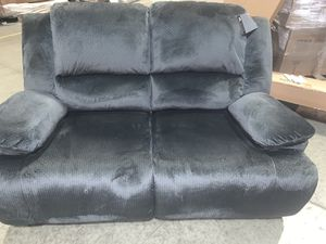 {NEW} Signature Design by Ashley Clonmel Reclining Loveseat-Charcoal (Delivery Available) COMFY for Sale in Columbus, OH