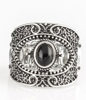 Ring with stretch band fits size 6-10 for Sale in Fargo, ND