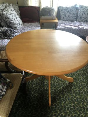 OAK Round table for Sale in Springfield, VA
