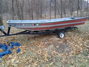 14' Flat Bottom Boat, trailer and 9.9 motor. for Sale in Wheatland, IA