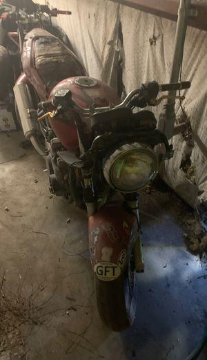 01 Kawasaki ZR 7S parts bike for Sale in Melbourne, FL
