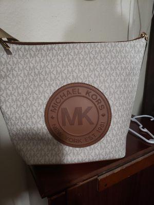 Aunthetic michael kors handbags for Sale in Los Angeles, CA