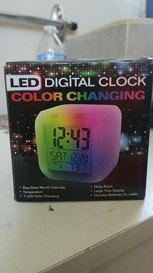 Alarm clock Lights up for Sale in Pepper Pike, OH