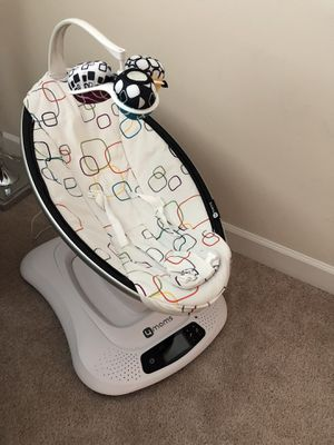 4moms mamaRoo (latest) infant seat Bluetooth-Enabled for Sale in Falls Church, VA