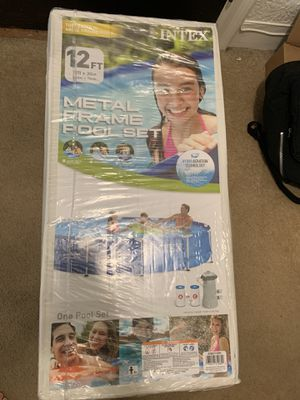 """Intex 12' x 30"""" Metal Frame Round Above Ground Swimming Pool with Filter Pump for Sale in Pittsburgh, PA"""