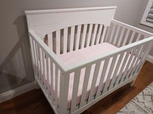 Baby crib - like new for Sale in Newark, CA