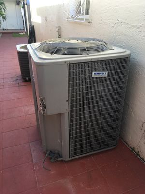 4 ton air condencer used r 22 freon for Sale in Miami, FL